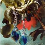 Formschöne Ohhringe aus Glas von Rainer Schrade